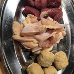 元祖鳥焼肉丸一 - 砂肝、軟骨、つくね  塩で