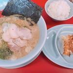 山岡家山形西田店 - 醤油ラーメン 650円 半ライス 120円 餃子 サービス券5枚