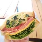 Park South Sandwich - 菜の花のペペロンチーノ 500円