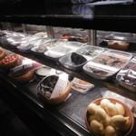 トラットリア セッテ - 前菜ショーケース