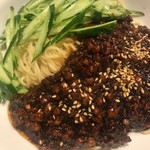 105198047 - ジャジャン麺