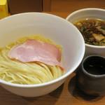105198363 - つけ麺800円(オープン記念で500円)
