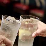 餃子とスパークリング バブルス - レモンサワーで乾杯〜♪