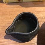 105205982 - 徳利で提供される昆布水