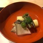 ふじさわ - 長野産ホワイトアスパラ、こごみ、鮑、木の芽のお吸い物