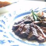 キュイジーヌ 駱駝 - あか牛のポワレとパン