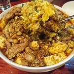 中華料理 八戒 - 天津カレー炒飯+生ラムクミン炒め、四川麻婆カリイがけ丼