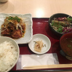 本格炭火串焼 あおば - 揚げ鶏のピリ辛ネギ醤油定食 800円