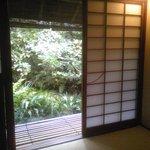 瓢亭 本店 - 茶室から見る風景