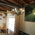 Tradgras Cafe 薬膳イタリアン×薬酒 - 落ち着いてお過ごしいただけるような空間を作っています。