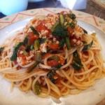 Taverna ViVi ficare - たこのラグーと青菜のトマトソーススパゲッティ ナポリ風(1380円)
