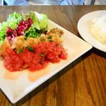 二階のレストラン - ミラノ風カツ ランチ税別1200円