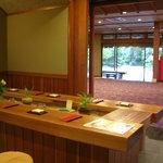 伊古奈 - お茶席から入口方面