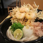 10523605 - 見事な天ぷら!!芸術的。  巡礼者は寒くても冷たいのを食べる
