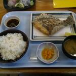 105230887 - ヒラメの唐揚げ定食