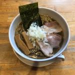 105232118 - 煮干そば(並)¥700-