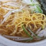 満足ヌードル ラーメンハウス - 麺