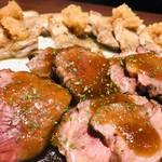 旬の海鮮 シーマーケット札幌 - 六品目 「道産牛と黒豚の石焼」