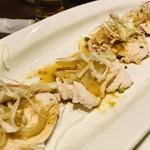 旬の海鮮 シーマーケット札幌 - 四品目 「蒸し鶏肉」