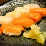 旬の海鮮 シーマーケット札幌 - 七品目 「握り寿司2貫」
