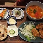 ミア食堂 - これも友人のミア食堂ランチ