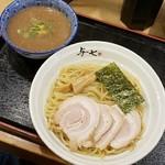 らーめん与七 - 料理写真: