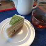 105251614 - 抹茶のケーキ