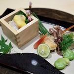 個室割烹 寿司北大路 - 蚕豆とホタルイカ、大ぶりの蛤にうっとり