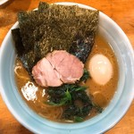 武蔵家 - ラーメン(半熟味玉追加)