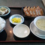 10526850 - 餃子定食