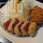 gyuukatsutonkatsujojokichi - 牛かつと牛メンチ