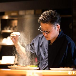 和食の世界にとどまらず、豊富な知識と技術を併せ持つ料理人