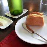 ビストロ  フチューラ フルール - もちもちの焼きたてパン