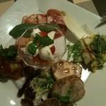 ピアットロッソ - 前菜の盛り合わせ