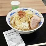 ジャンクガレッジ - ラーメン(680円)