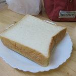 ニッタベーカリー - ホテルに卸しているパン