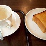 上島珈琲店 - 料理写真:Eセット(無糖ミルクコーヒー&厚切りトースト)