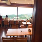 クロワッサンCafe クイニー - 二階正面