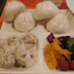 神楽食堂 串家物語 - 焼売、肉まん、漬物