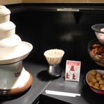 神楽食堂 串家物語 - ホワイトチョコファウンテン