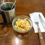 カロリーハウス - セットのサラダとコーヒー