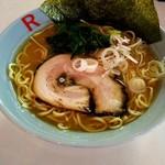 らーめんR - 料理写真:ラーメン(中)¥850