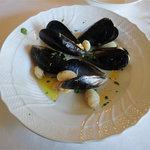 10531732 - ランチB(1900円)サロマ産のムール貝と白インゲンのスープ