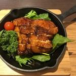 ベジ ハウス - 全素紅焼鶏-ローストチキン風(真上から)