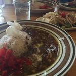 ラテハートカフェ - 2度目の訪問。【ランチ】 うさぎがのったカレーとサラダ*
