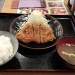かつ壱番屋 - 三元豚大麦育ちロースカツ(830円)