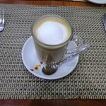 105313351 - Breakfast 朝食:Galao コーヒー&ミルク