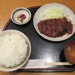 105316242 - 味噌ロースカツ膳 820円(税込)ご飯 大盛り(無料)。