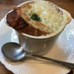 西洋料理杉山亭 - オニオングラタンスープ