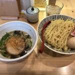 焼きあご塩らー麺 たかはし - 味玉入り塩つけ麺(中)
